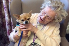 pet-therapy-nursing-home-rotherham-3