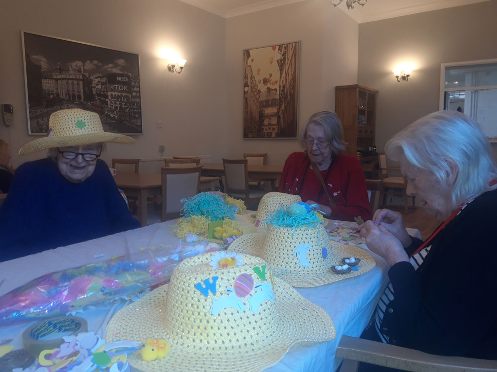 residential care home Hyde Easter bonnets-5
